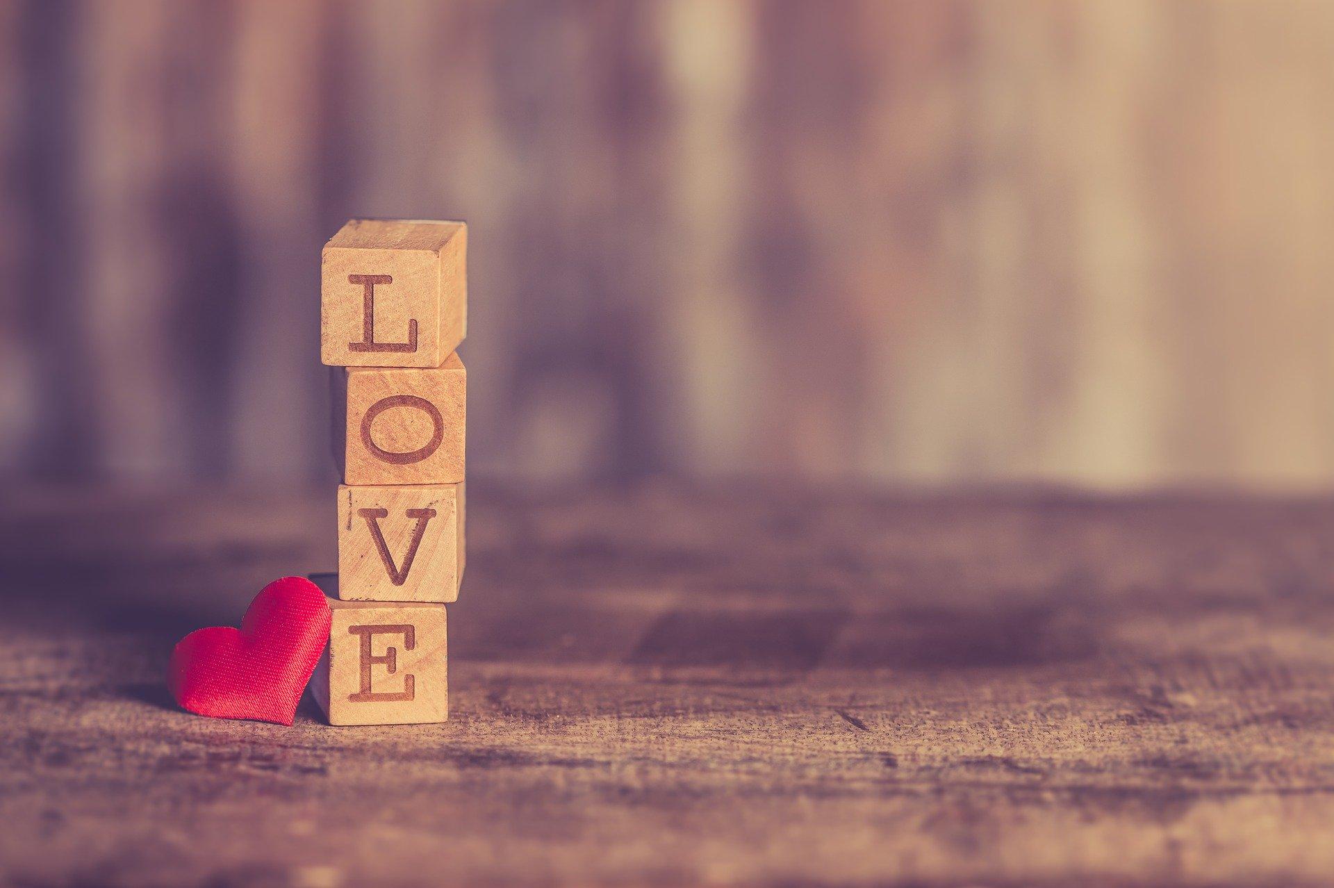 love-3091214_1920